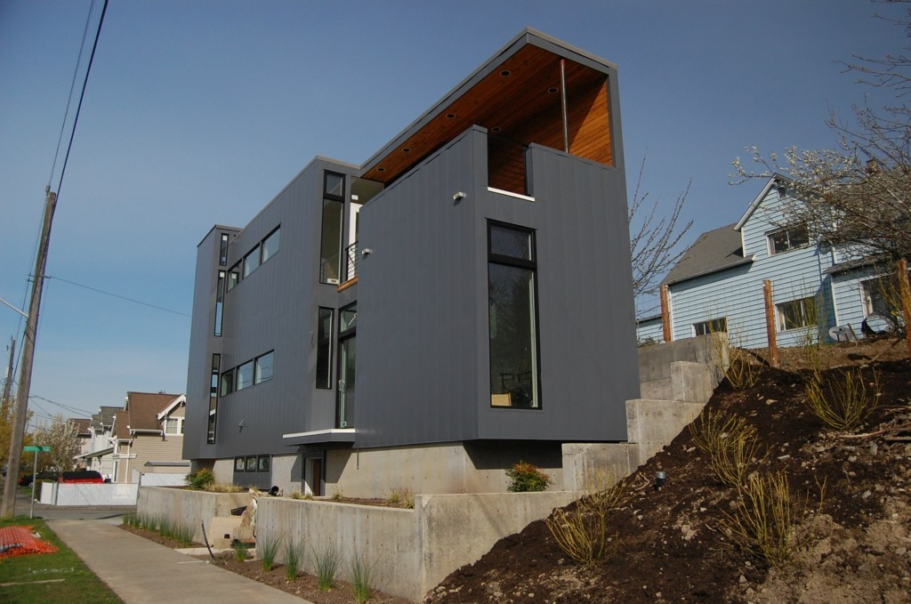 Pb prefab overlooking lid park urbnlivn for Prefabricated homes seattle