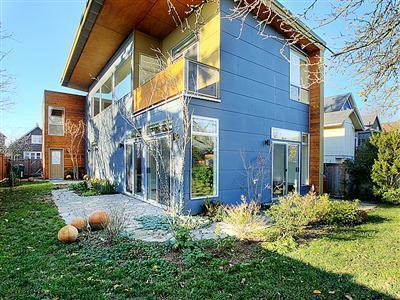 49677 1 Beacon Hill Modern
