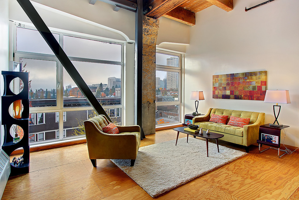 292733 0 Another Monique Loft Listing