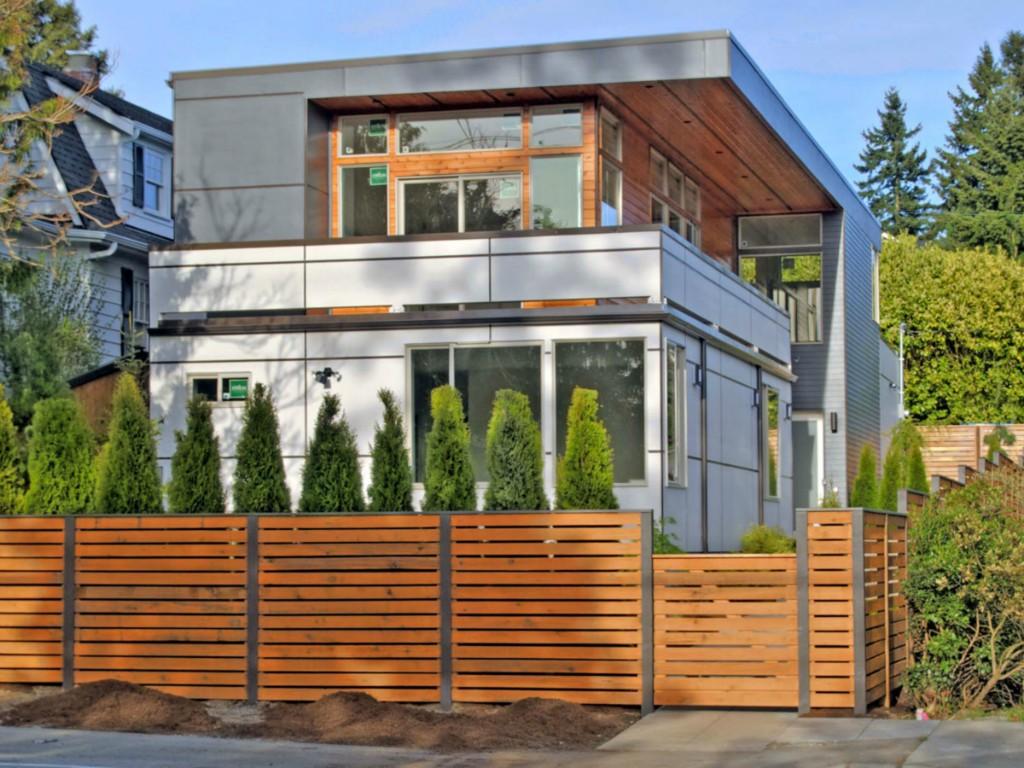 347796 0 New Broadview Modern Home