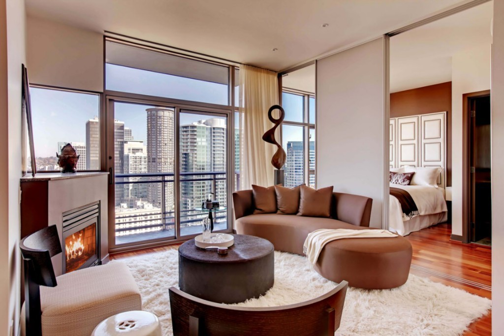 185846 2 Classy Cristalla Condo