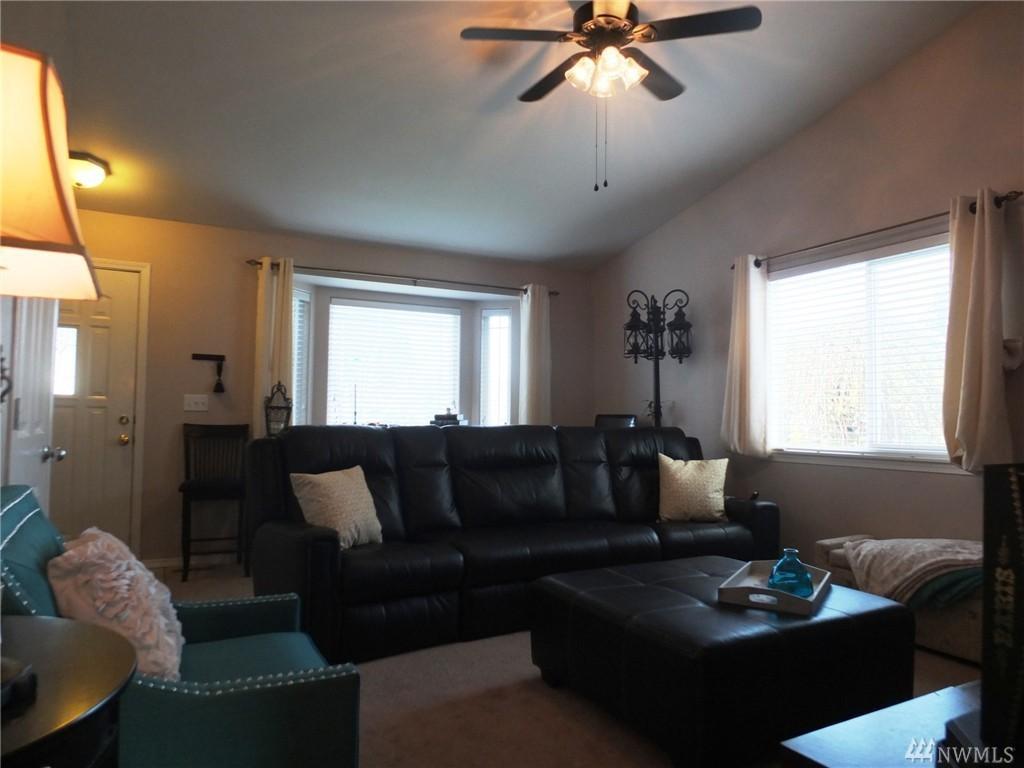 Living Room Coffee House Marysville Design Ideas