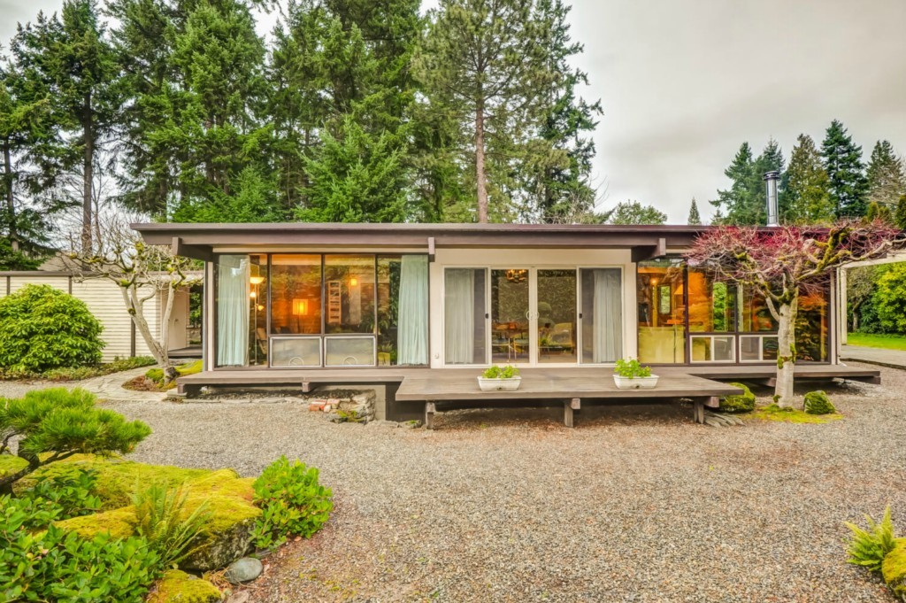 434933 1 Mid Century Mania on Mercer Island and in Magnolia