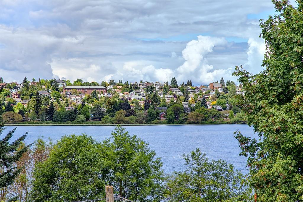 6318 E Green Lake Wy N, Seattle, WA 98103