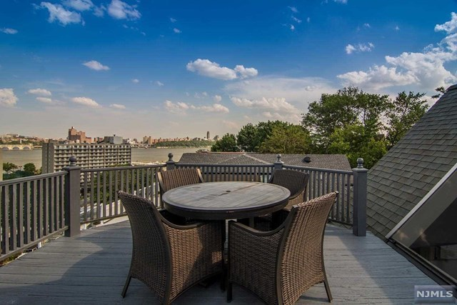 30 hudson ter edgewater nj 07020 mls 1721922 redfin for 22 river terrace nyc