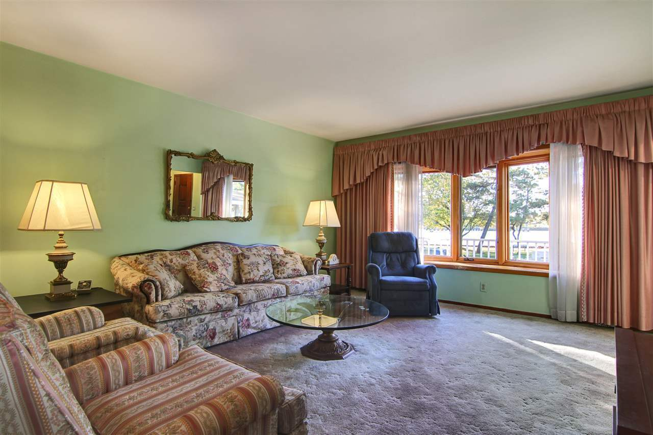 Raised Ranch Living Room Decorating 9 East 1st St Bayonne Nj 07002 Mls 160016306 Redfin
