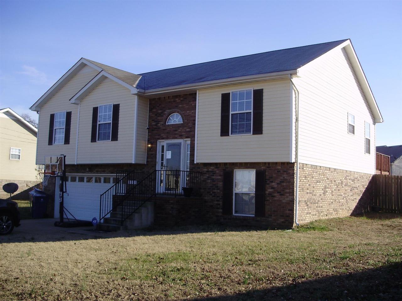 3393 dresden way clarksville tn 37042 mls 1796775 redfin. Black Bedroom Furniture Sets. Home Design Ideas