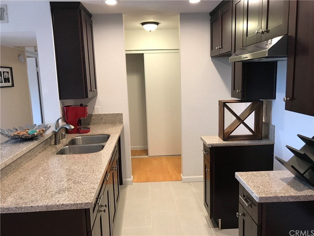 1723 cedar ave 213 long beach ca 90813 mls for Kitchen cabinets 90808