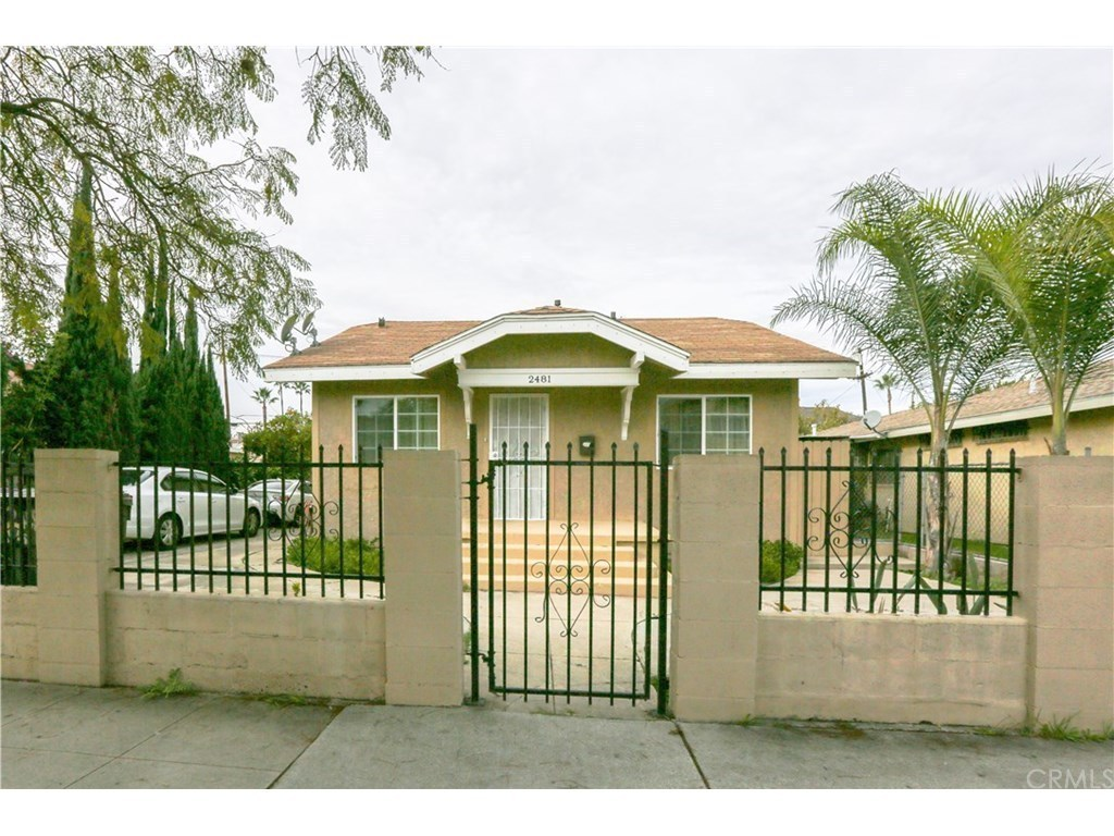 2481 elm ave long beach ca 90806 mls iv17007859 redfin for Kitchen cabinets 90808