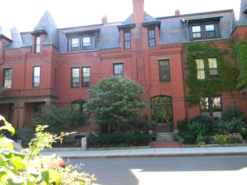 73 monmouth st brookline ma 02446 mls 72086947 redfin