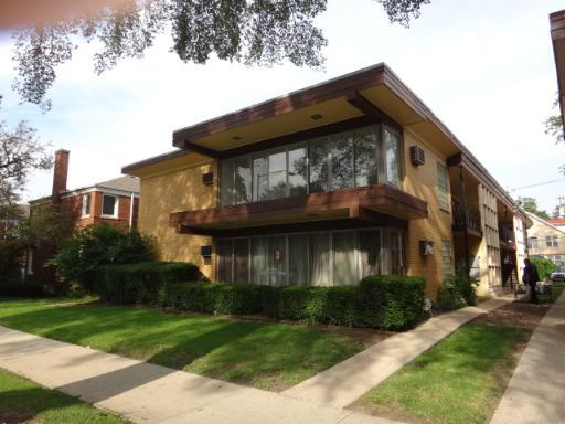 An Oak Park HomePath one-bedroom for $35K