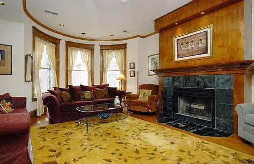 $200K off in a year for a vintage Lakeview East condo
