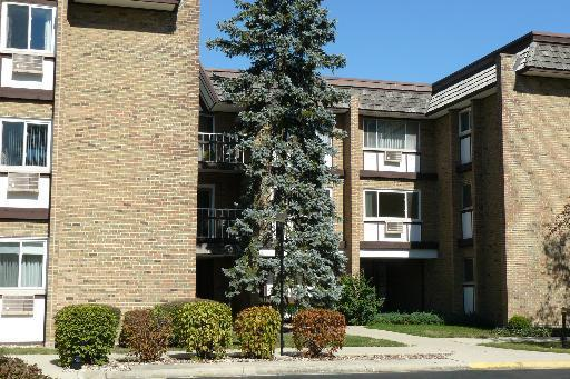 The lowest-priced condo in Hinsdale