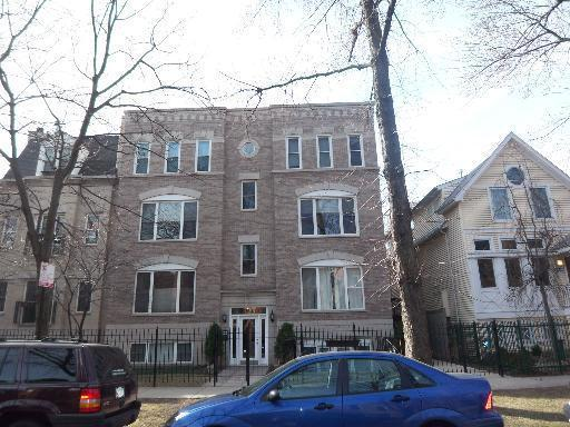 Unit 3S at 823 W Lill Ave, Chicago
