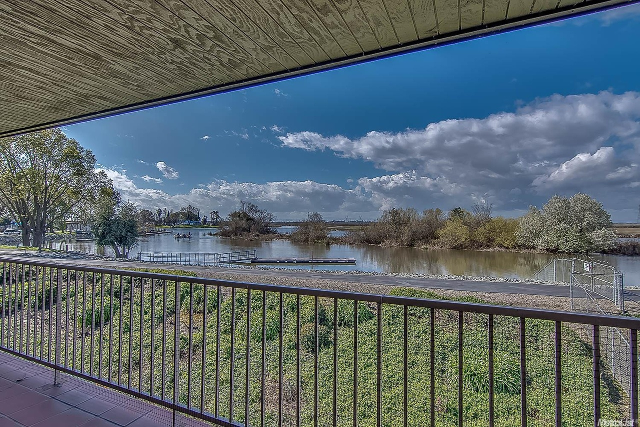 6713 Embarcadero Dr 31 Stockton Ca 95219 Mls 17008478 Redfin