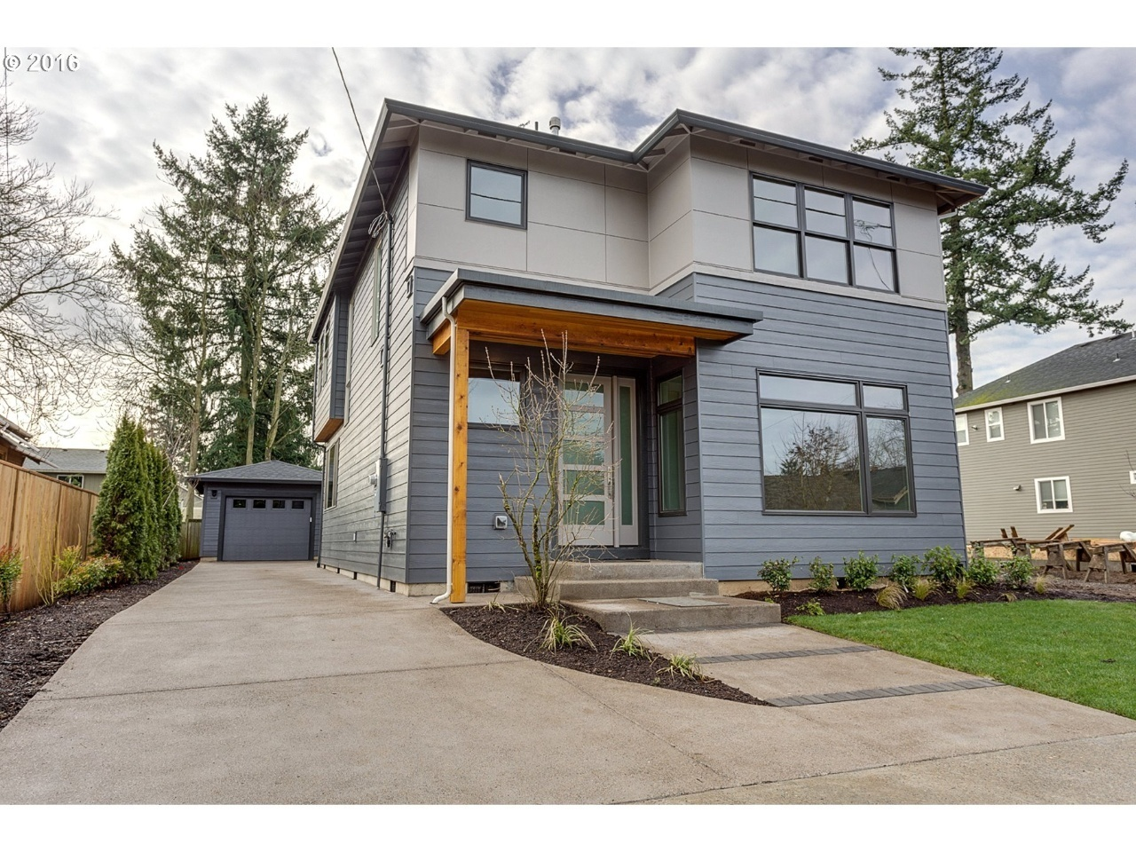 4902 se ogden st portland or 97206 mls 16253694 redfin for Contemporary home exterior
