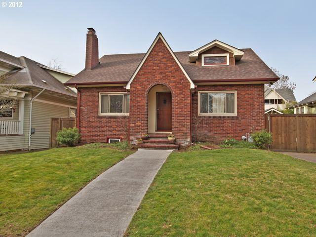12648977 0 Brick Bungalow in Irvington